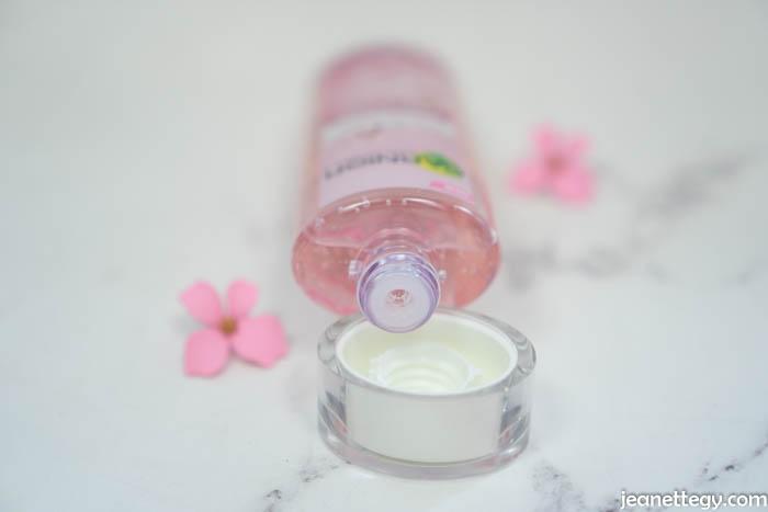 Garnier Sakura White