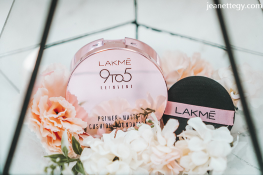 Lakme 9to5 cushion foundation